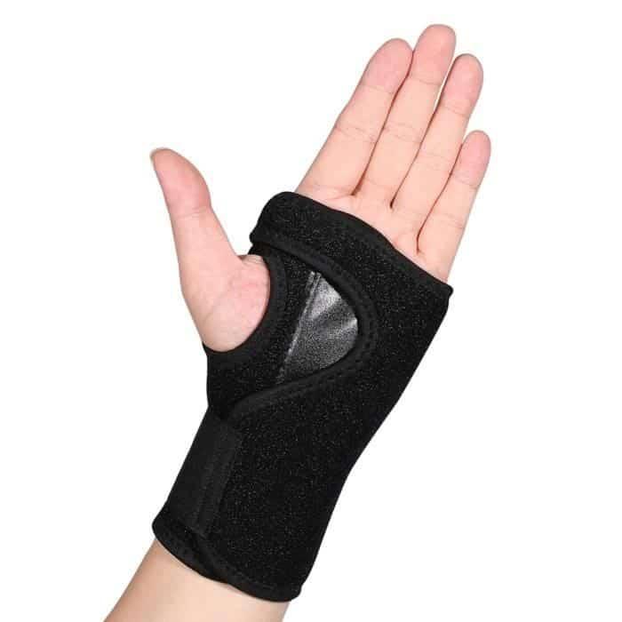 Les 4 meilleures attelles de poignet pour maintenir vos articulations et vos doigts